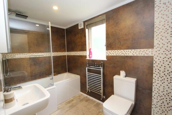 Lakeside View bathro