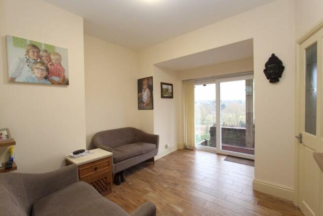Living Room_9737.JPG