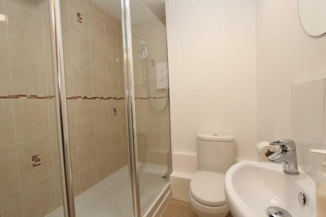11 Lime Court shower room.jpg