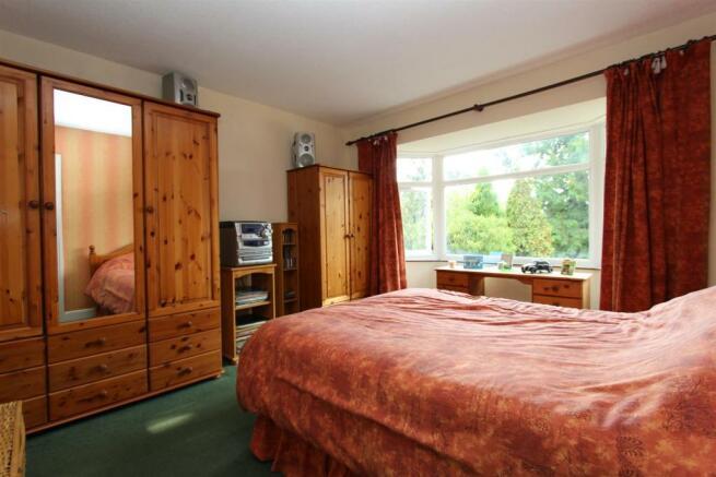 Westbury bedroom.jpg