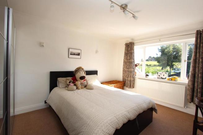 Campana bed2.jpg