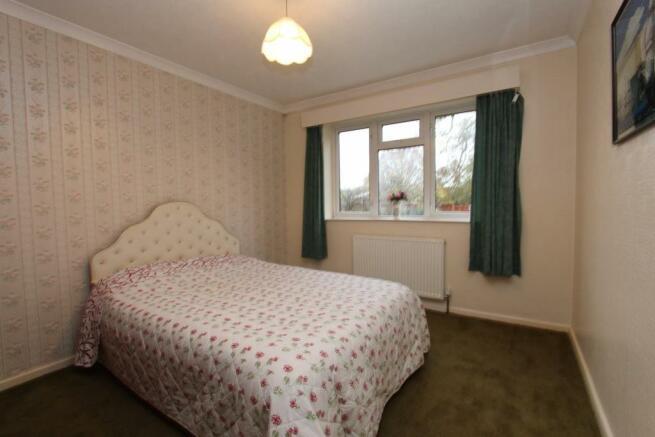 32 Snowdon Close bed