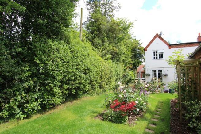 April Cottage garden 2.jpg