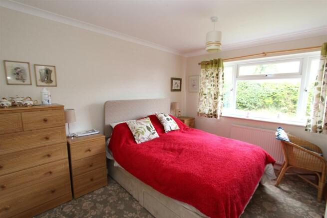 Avoncroft bedroom.jpg