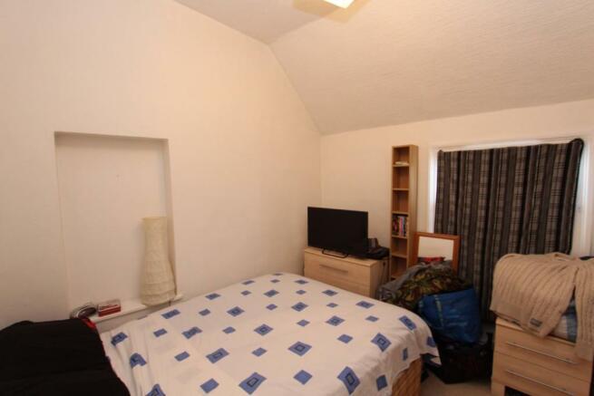 Flat 1 - Bedroom 1_0687.JPG