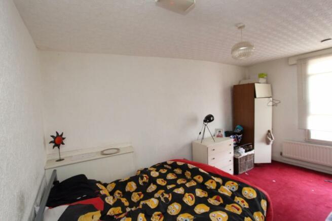 Flat 2 - Bedroom 1_0706.JPG
