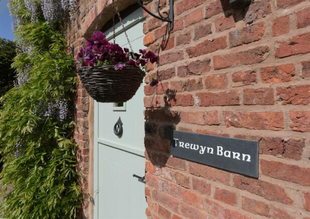 Trewyn Barn_008.jpg