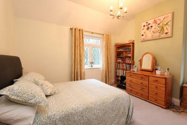 Fordbrook Cottage bed2.jpg