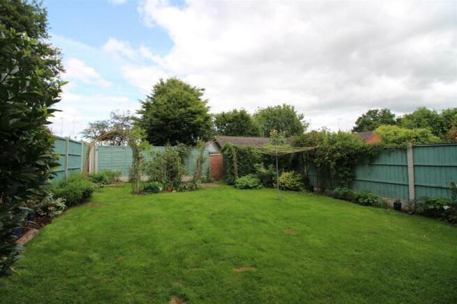29 Ridleys Cross garden.JPG