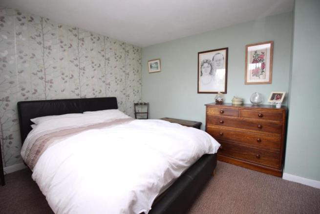 5 Millridge Way bed one.JPG