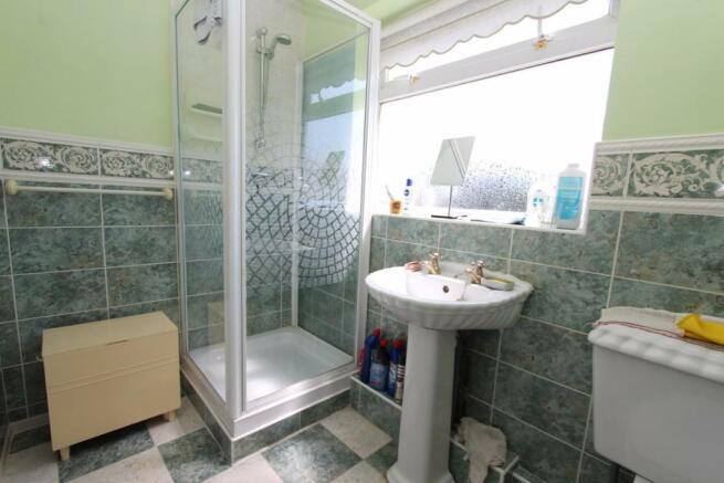 Shower Room_2077.JPG