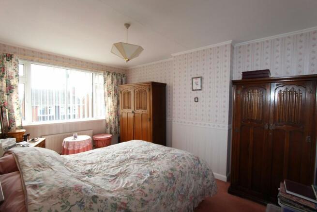 10 Kennedy Close bed1.jpg