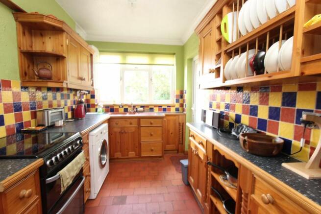 6a Spencer Street kitchen.jpg