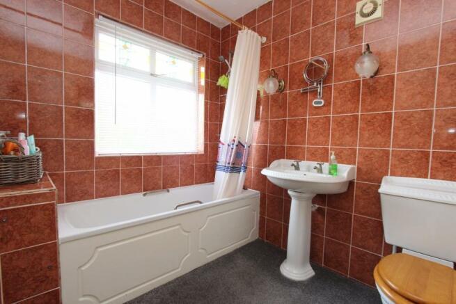 6a Spencer Street bathroom.jpg