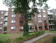 Flat to rent in Buckhurst Hill, Essex