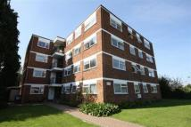 2 bed Flat in Lynwood Close, London