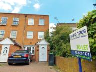 4 bedroom property in Buckhurst Hill