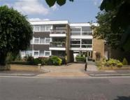 Flat to rent in Buckhurst Hill