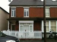 2 bedroom semi detached house to rent in Vine Street, Romford