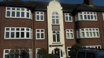 3 bed Flat to rent in Main Road, Romford...