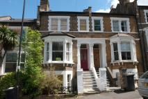 Flat in Becondale Road, LONDON...