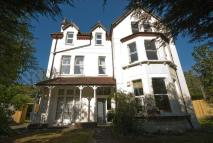 Flat to rent in Auckland Road, LONDON...