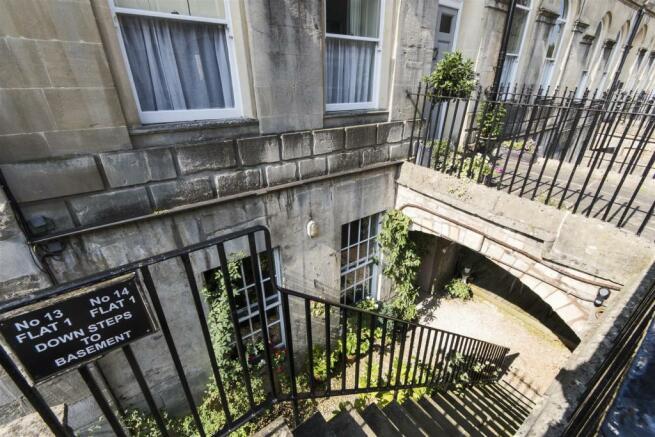 Apartment 1, 14 Henr