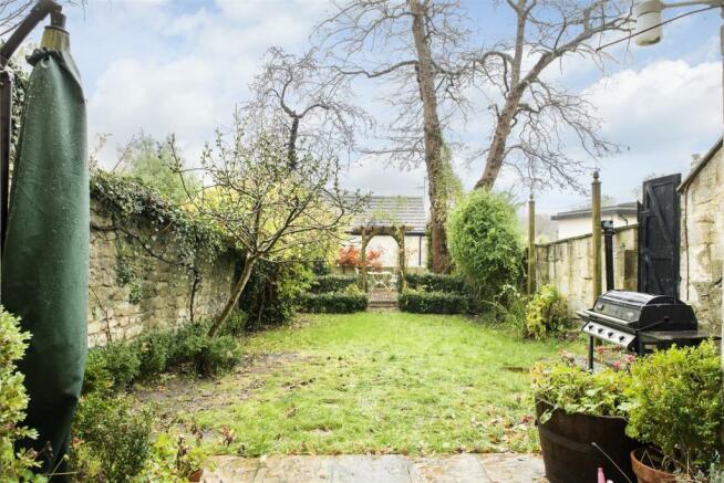Garden Maisonette, 1