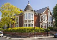 6 bed Detached property in Albert Grove, Southsea