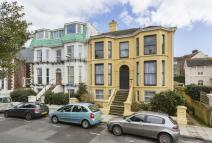 4 bed Duplex in Eastern Villas Road...