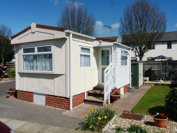 1 bedroom mobile home for sale in rope walk littlehampton for 1 bedroom manufactured home