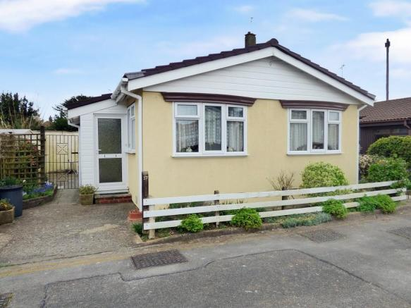 2 Bedroom Mobile Home For Sale In Woodlands Park Yapton Arundel