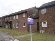 Studio flat in Burgate Close, DARTFORD...