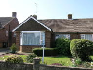 2 bed Semi-Detached Bungalow in Farmlands Way, Wannock...