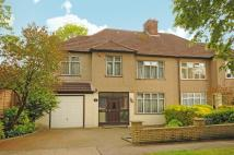 4 bedroom property in Parkfield Avenue, Harrow...
