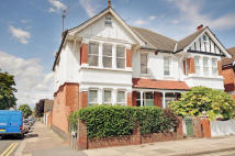 Maisonette for sale in Cunningham Park, Harrow...