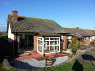 2 bed Detached Bungalow in Merrie Gardens, Sandown,