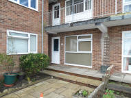 Apartment to rent in Esplanade, Shanklin...