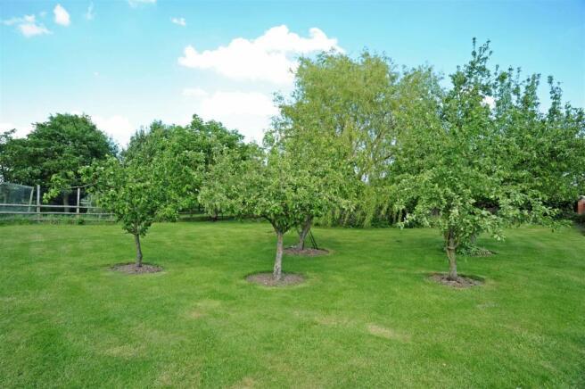 Formal Gardens & Par
