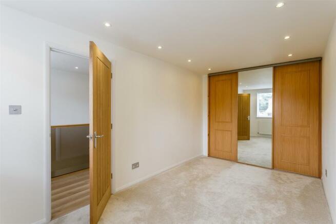 8306115-interior08.jpg