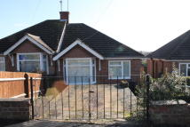 2 bed Semi-Detached Bungalow in Inlands Rise Daventry