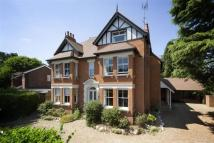 7 bed Detached house in Douglas Road, Harpenden