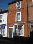Town House to rent in South Street...