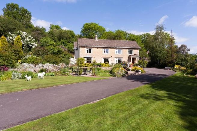 13 Bedroom Detached House For Sale In Patterdown Chippenham Sn15