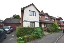 semi detached property to rent in Woodward Close, Winnersh
