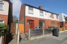 3 bedroom semi detached house to rent in Henley Street, Oldham