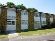 2 bedroom Flat to rent in Oakshaw, Oxted, Surrey