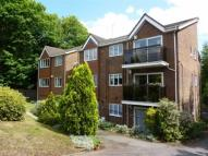 2 bed Flat in Burwood House, Oxted...