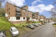 Flat to rent in Treetops, Whyteleafe...