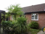2 bedroom Bungalow in Barnfield Way, Oxted...